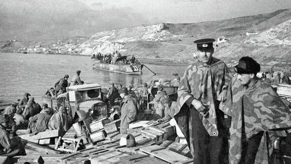 Војници Црвене армије на Криму - Sputnik Србија