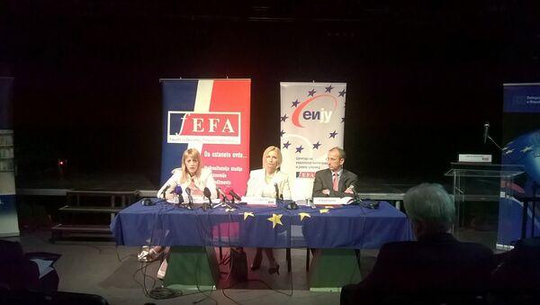 Misnistarka za evrointegracije Jadranka Joksimović i šef delegacije EU Majkl Devenport - Sputnik Srbija