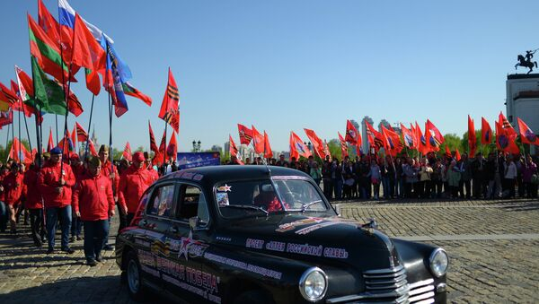 Participants in Our Great Victory motor rally welcomed in Moscow - Sputnik Srbija