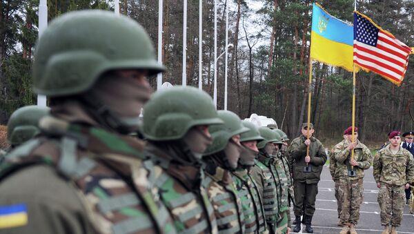 Američki i ukrajinski vojnici na ceremoniji povodom zajedničkih vojnih vežbi - Sputnik Srbija
