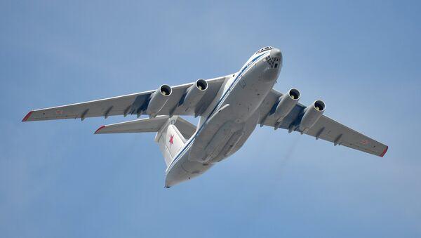 Тешки војно-транспортни авион Ил-76 - Sputnik Србија