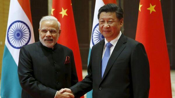 Кинески председник Си Ђинпинг и индијски премијер Нарендра Моди - Sputnik Србија