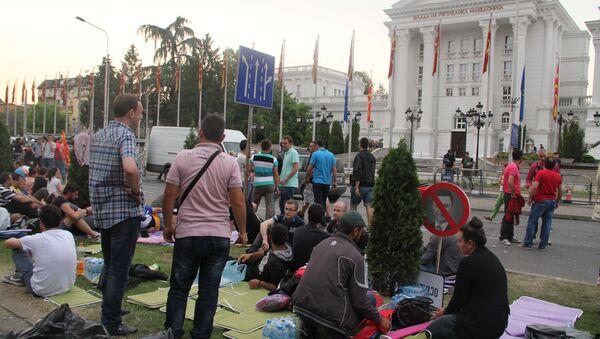 Камповање испред зграде Владе Македоније. - Sputnik Србија
