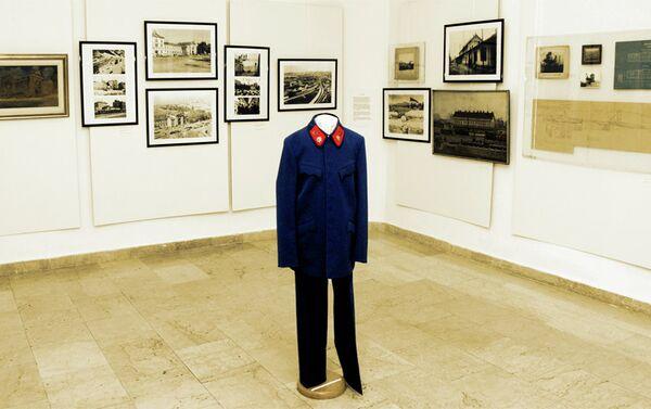 Za izložbu su posebno šivene replike uniformi. Jedini sačuvani oruginalni primerak je iz Crne gore - Sputnik Srbija