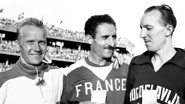 Franjo Mihalić sa medaljom iz Melburna 1956 - Sputnik Srbija