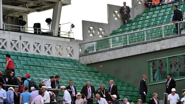 Кров стадиона Филип Шатрије са којег је пао део лимене конструкције - Sputnik Србија