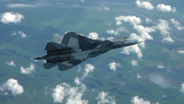 PAK-FA borbeni avion u letu - Sputnik Srbija