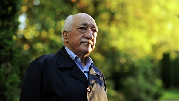 Мухамед Фетулах Гулен је вођа покрета Хизмет, што зна турском значи служба - Sputnik Србија