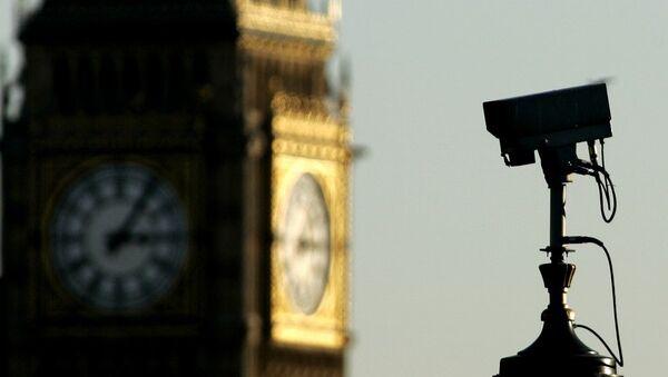 Сигурносна камера у Лондону, у позадини се види Биг Бен - Sputnik Србија