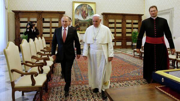 Vladimir Putin i Papa Franja - Sputnik Srbija