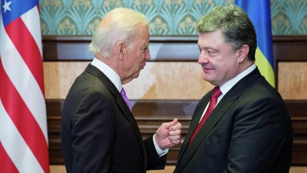 Džo Bajden i Petro Porošenko - Sputnik Srbija