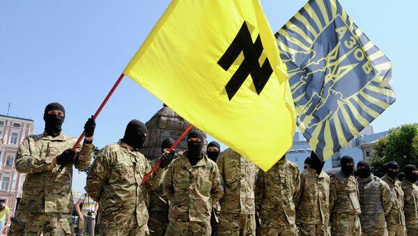 Vojnici Azovskog bataljona polažu zakletvu u Kijevu pre odlaska u Donbas - Sputnik Srbija