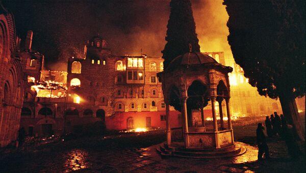 Hilandar, 4. marta 2004. izgoreo je ceo severni deo manastira - Sputnik Srbija
