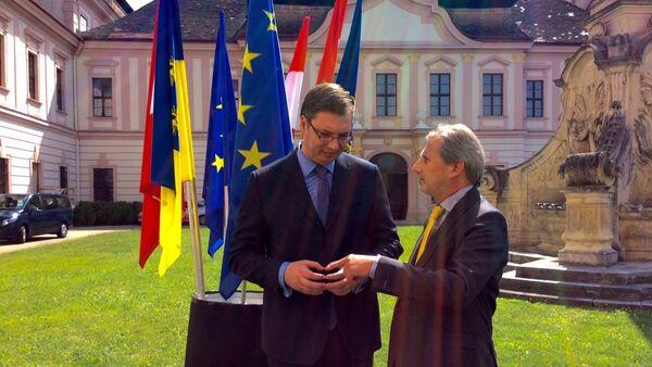 Aleksandra Vučić i Johanes Han na Evropskom forumu Vahau, u Austriji - Sputnik Srbija