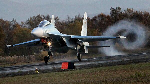 Višenamenski borbeni avion Su-30 - Sputnik Srbija