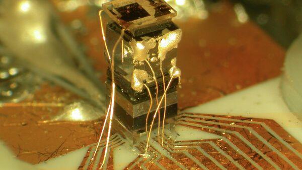 Атомски сат с интегралним колом - Sputnik Србија