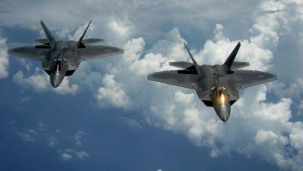 Američki istrebitelji F-22 - Sputnik Srbija