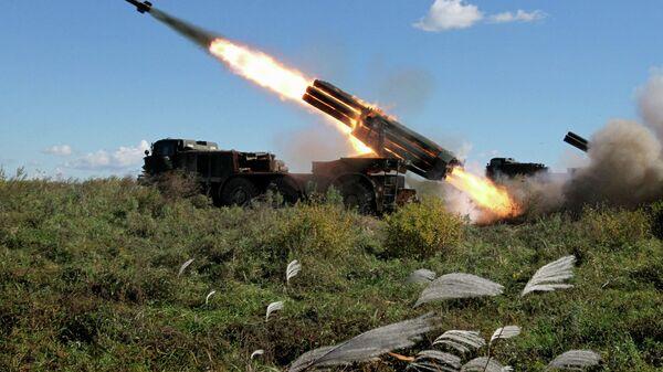 БМ-27 Ураган, вишецевни бацач ракета - Sputnik Србија