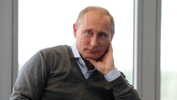 Vladimir Putin attends Seliger 2014 National Youth Forum - Sputnik Srbija
