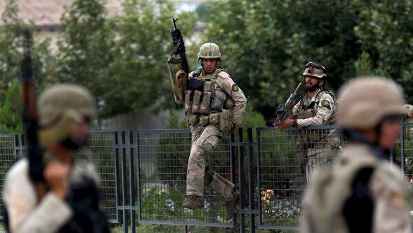 Afganskie silы bezopasnosti patruliruюt ulicu posle vzrыvov v Kabule - Sputnik Srbija