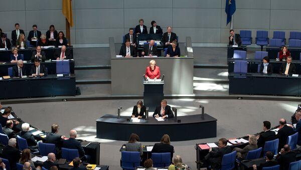 Немачка канцеларка Ангела Меркел за говорницом у Бундестагу - Sputnik Србија