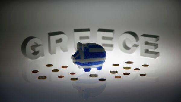 Kriza u Grčkoj-kasica prasica u bojama grčke zastave - Sputnik Srbija