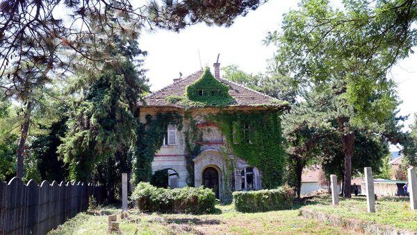 Површина куће у Андре Николића 5 је 408 квадратних метара, градња је започета пре Првог светског рата, док је вила попримила данашњи изглед по завршетку рата. Нико није поднео захтев за реституцију. - Sputnik Србија