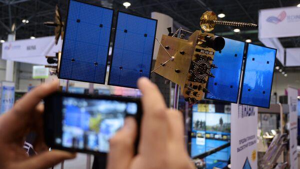 Модел сателита ГЛОНАСС-К - Sputnik Србија