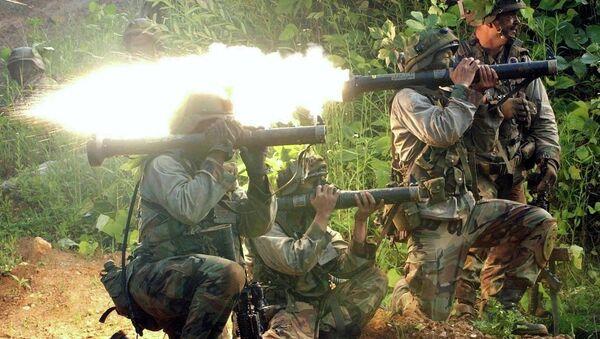 Амерички војници са АТ-4 антитенковским пројектилима - Sputnik Србија