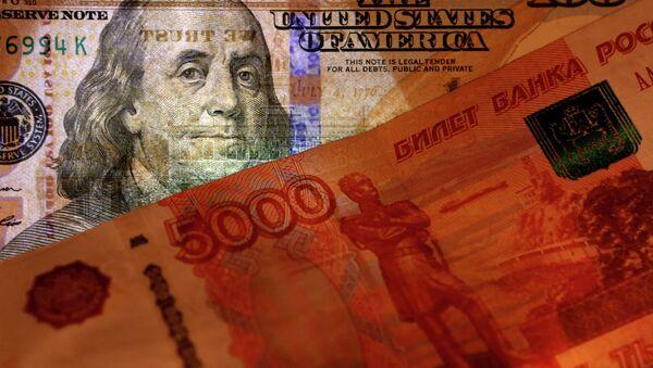 Амерички долар и руска рубља - Sputnik Србија