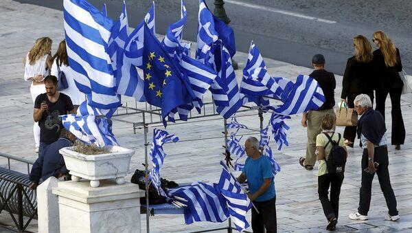Zastave Grčke i EU - Sputnik Srbija