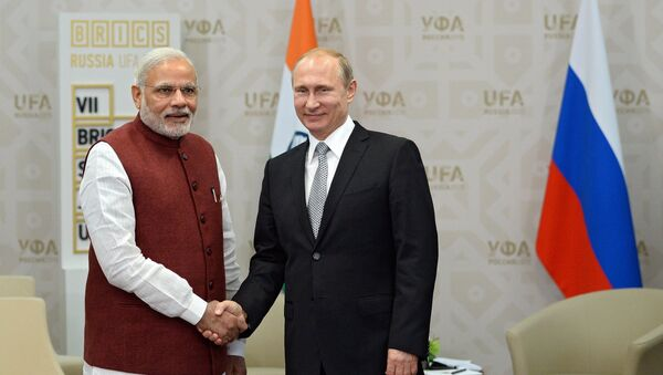 Predsednik Rusije Vladimir Putin i premijer Indije Narenda Modi - Sputnik Srbija