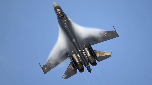 Ruski lovac Su-35 - Sputnik Srbija
