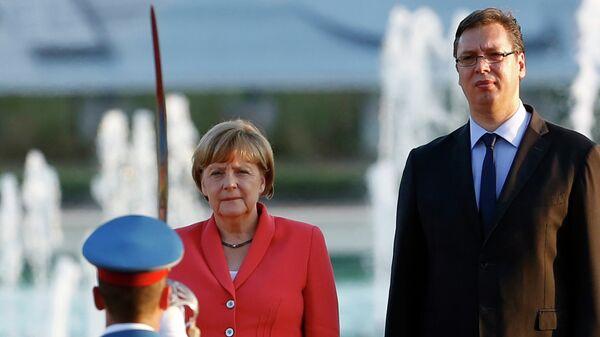 Premijer Srbije Aleksandar Vučić sa nemačkom kancelarkom Angelom Merkel tokom susreta u Beogradu - Sputnik Srbija
