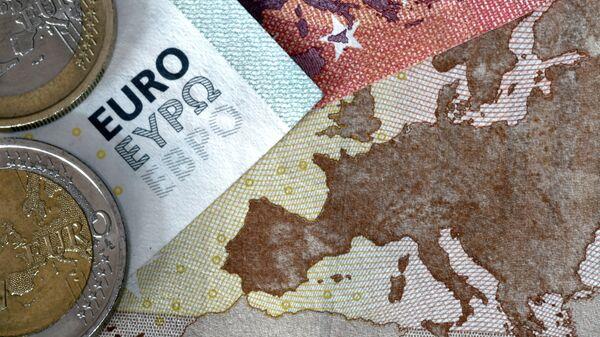 Новчанице и кованице евра на мапи Европе - Sputnik Србија