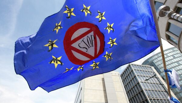 Antievro zastava na protestu u Briselu - Sputnik Srbija