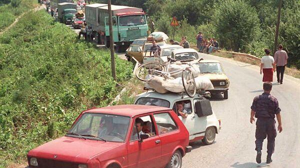 Избеглице напуштају Хрватску 1995. године  - Sputnik Србија