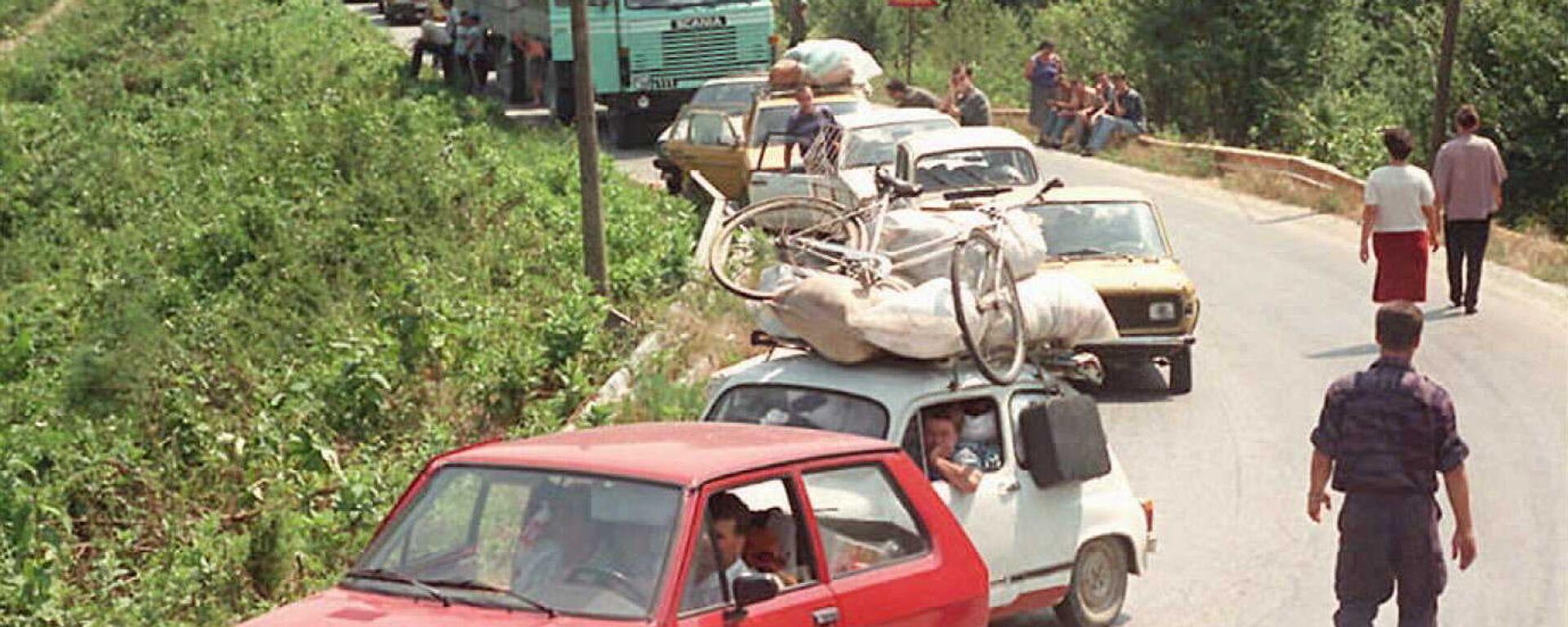 Избеглице напуштају Хрватску 1995. године  - Sputnik Србија, 1920, 04.08.2021