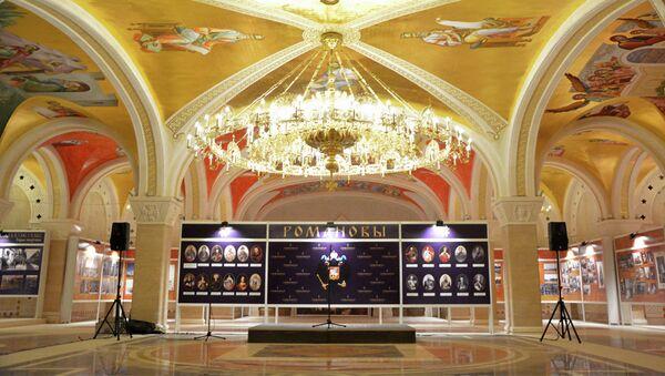 Unutršnjost Hrama Svetog Save i pripreme za izložbu fotografija o Romanovima - Sputnik Srbija