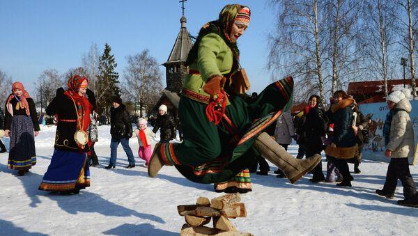 Ruska dobrodošlica proleću: Tradicija slovenskog festivala palačinki - Sputnik Srbija