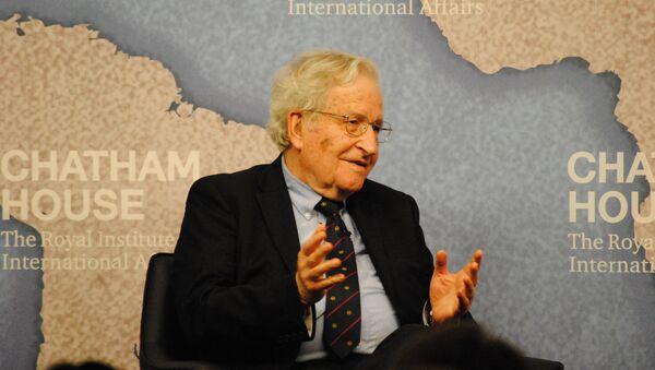 Ноам Чомски, социјални филозоф и професор лингвистике на Масачусетском институту за технологију - Sputnik Србија