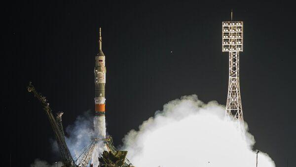 """Лансирање свемирске летелице """"Сојуз ТМС-17М"""" са космодрома Бајконур - Sputnik Србија"""