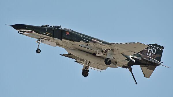 """F-4 """"fantom II"""", supersonični lovac-bombarder - Sputnik Srbija"""