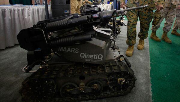 "Napredni modularni oružani robotizovani sistem prikazan na Zapadnoj vojnoj mornaričkoj izložbi u vojnoj bazi ""Kamp Pendlton"". - Sputnik Srbija"