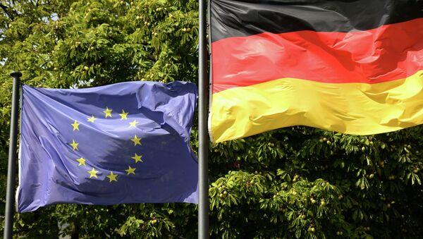 Zastave EU i Nemačke u Berlinu - Sputnik Srbija
