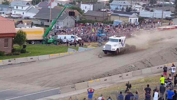 World record semi truck jump! - Sputnik Srbija