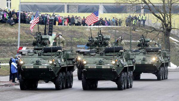 Vojnici NATO na vojnoj paradi u Estoniji - Sputnik Srbija