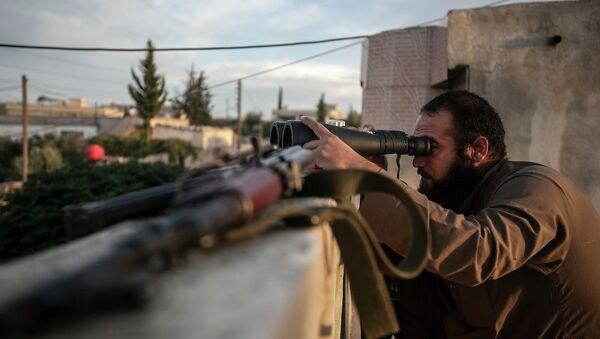 Опозициони борац у провинцији Идлиб у Сирији - Sputnik Србија