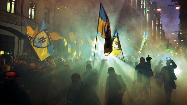 Украјински националисти из Азов батаљона током протеста у Кијеву. - Sputnik Србија