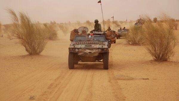 Француске снаге патролирају на северу Малија. - Sputnik Србија